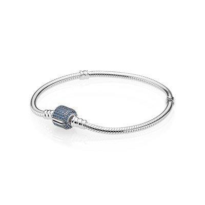 Браслет из серебра с застежкой паве с синими камнями